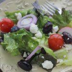 Salade à la grecque feta consombre