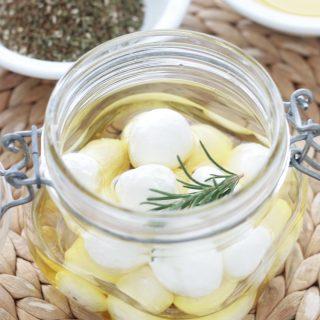 Labné bi zayt – Boulettes de fromage frais à l'huile d'olive