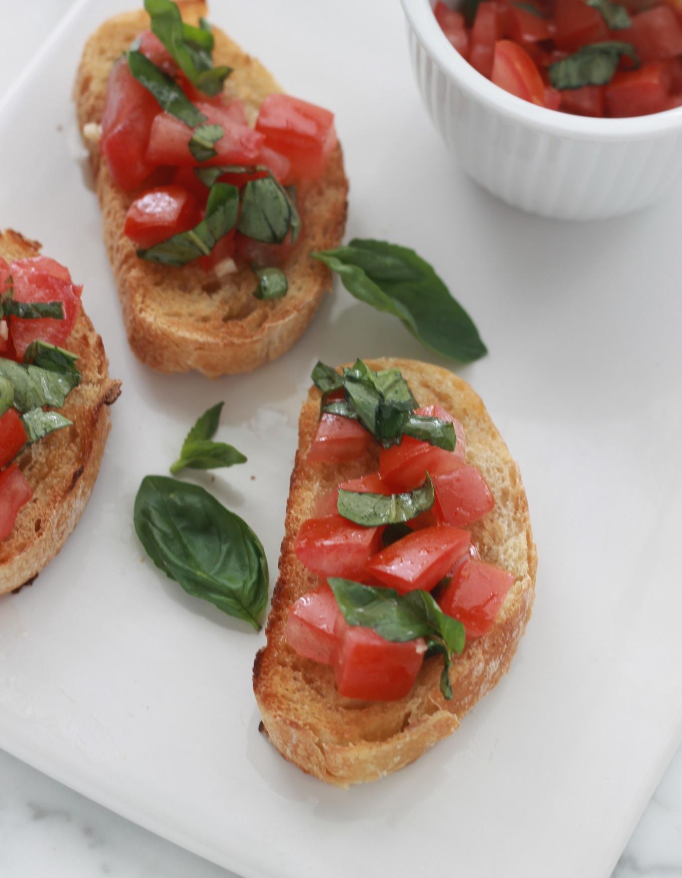 Bruschetta à la tomate et basilic