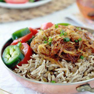 Lentilles au riz et oignons frits végétarien (Mjaddara)