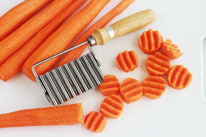 Couteau ondulé pour une belle présentation des carottes Vichy.