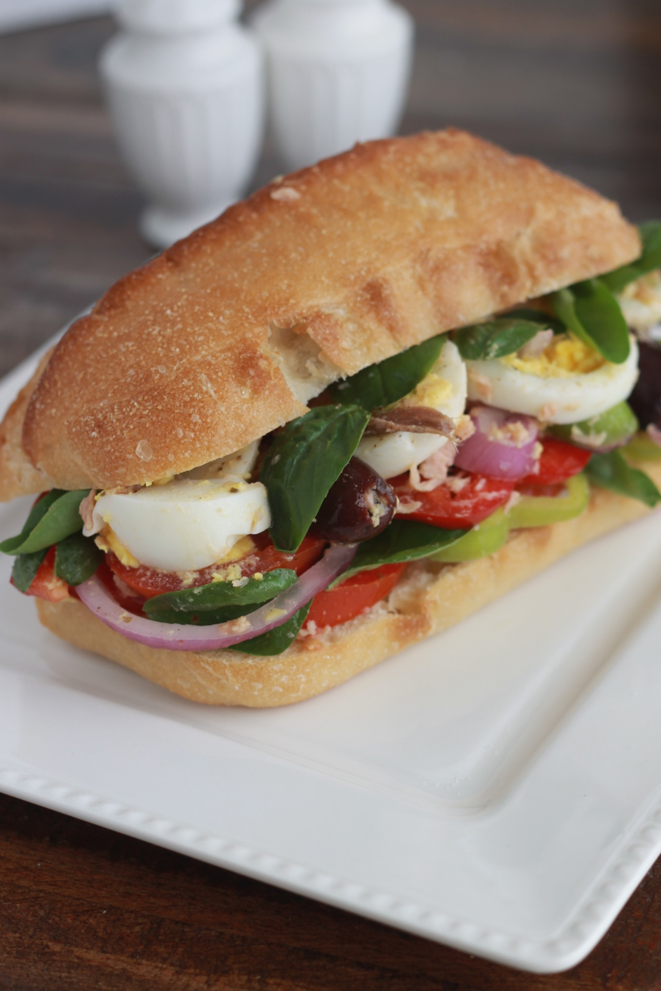 Pan bagnat sandwich nicois classique