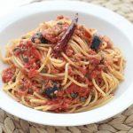 Pâtes sauce tomate thon capres olives