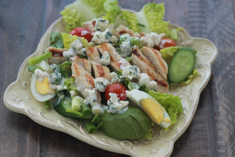 Salade de poulet et sa sauce au fromage bleu