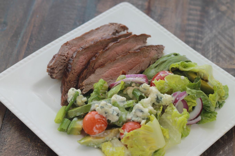 salade de steak sauce au fromage bleu cuisine culinaire. Black Bedroom Furniture Sets. Home Design Ideas