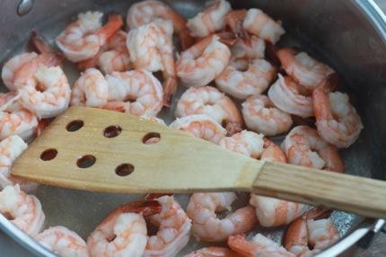 Crevettes sautées - faire sauter dans beurre et huile