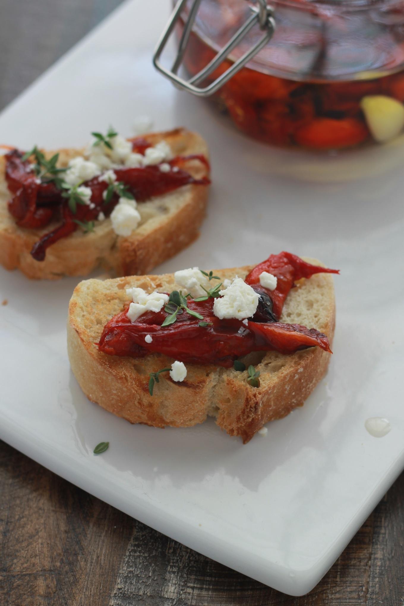 Poivrons rouges confit a l'huile d'olive faciles