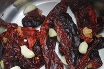 Puree de pommes de terre - Piments rouges secs et ail