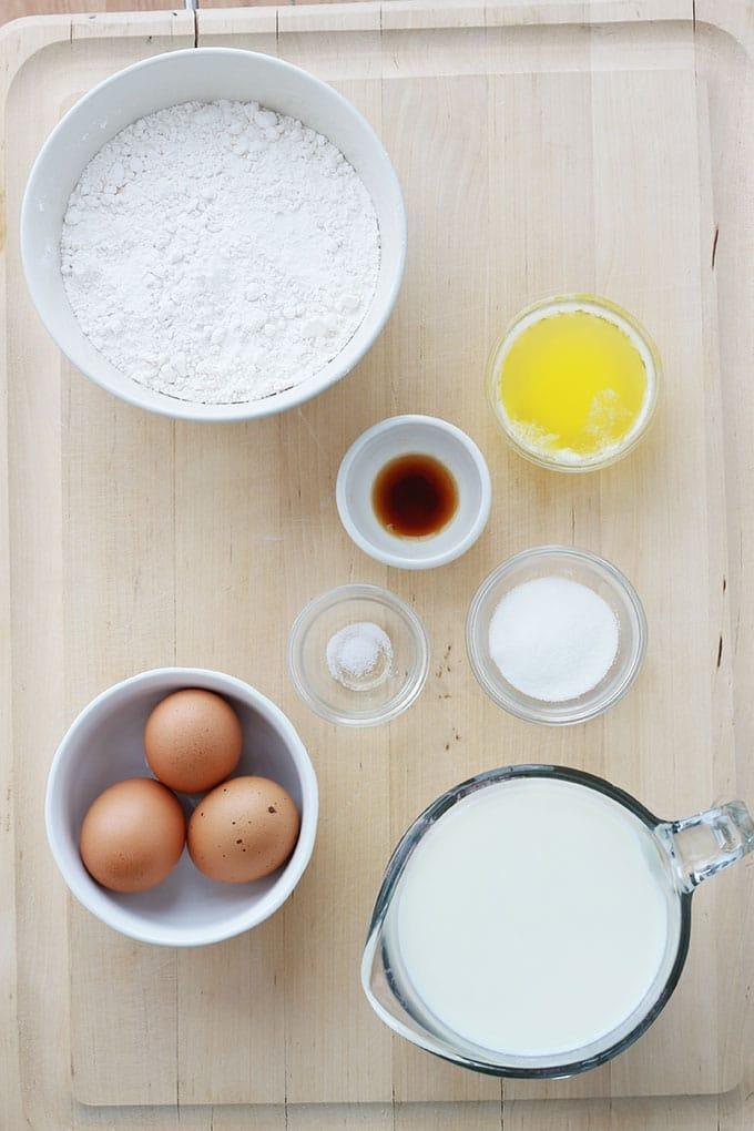 Cette recette de crêpes est très facile et rapide. La pâte est sans repos et inratable. Fini le problème de grumeaux, on met tout dans le blender et on mixe rapidement. A défaut de blender, un bocal ou un contenant hermétique genre tupperware. Les proportions des ingrédients sont parfaites, les crêpes sont savoureuses.