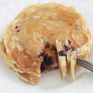 Pancakes aux myrtilles (bleuets)