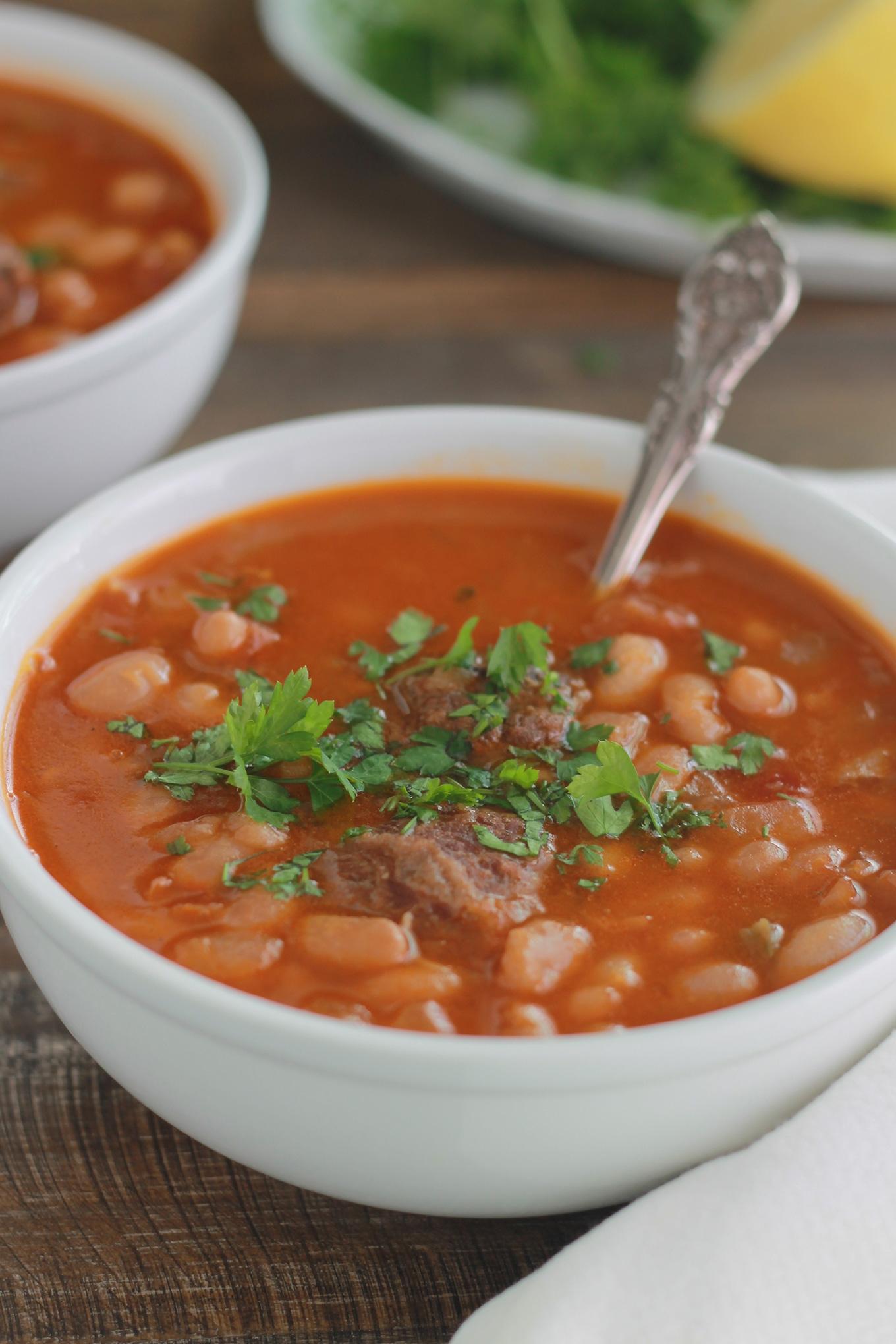 Soupe aux haricots blancs Loubia à la viande