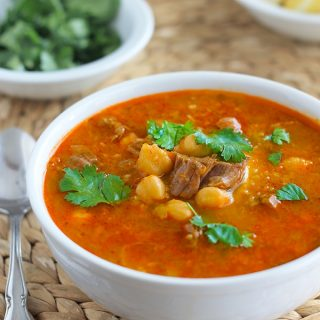 Chorba frik algérienne (soupe traditionnelle)