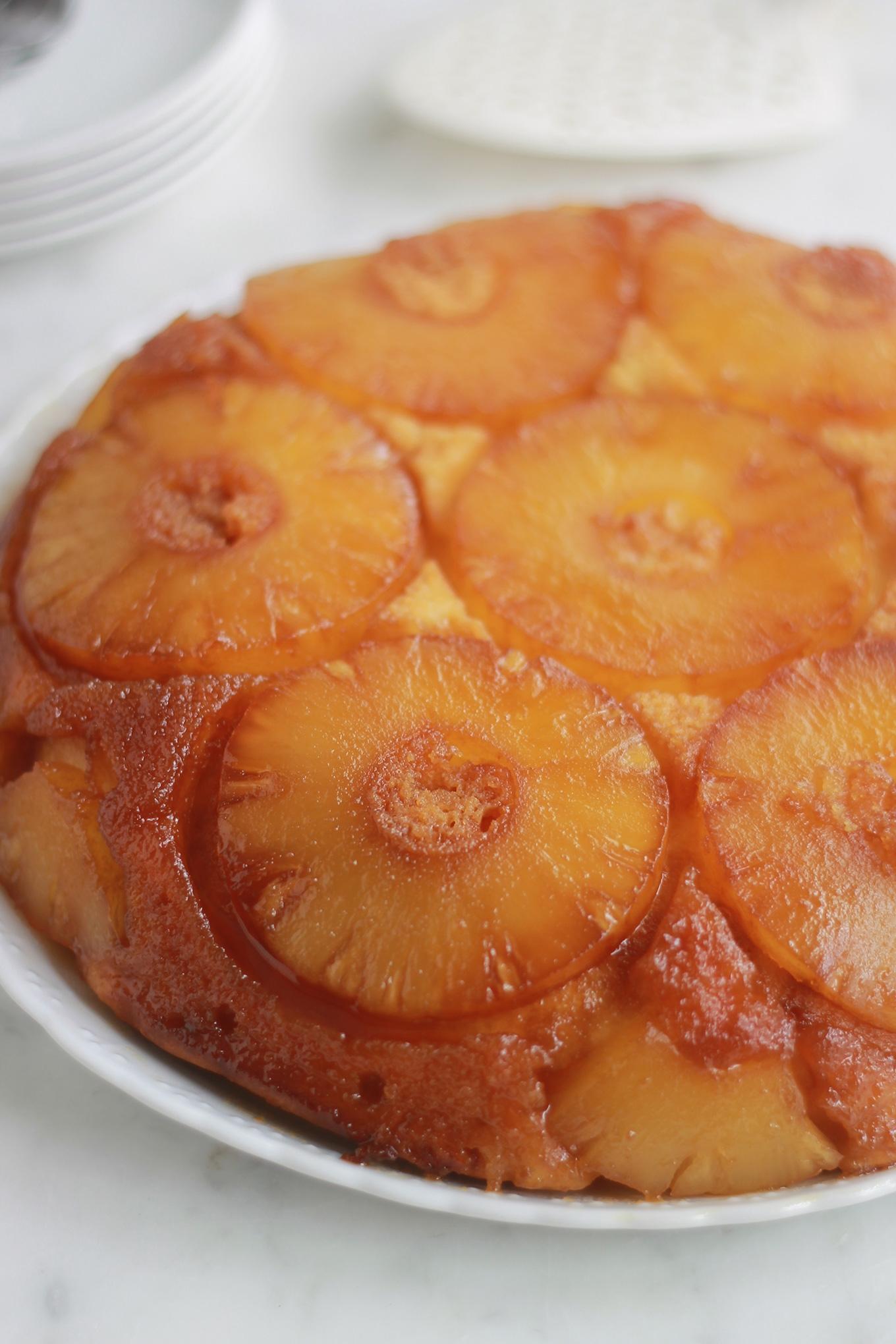 Gâteau au yaourt renversé à l'ananas caramélisé