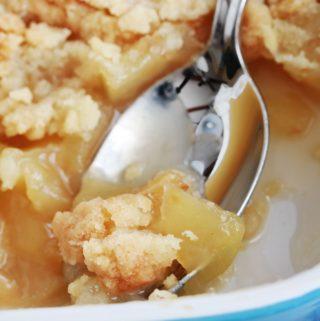 Crumble aux pommes fondantes et caramélisées