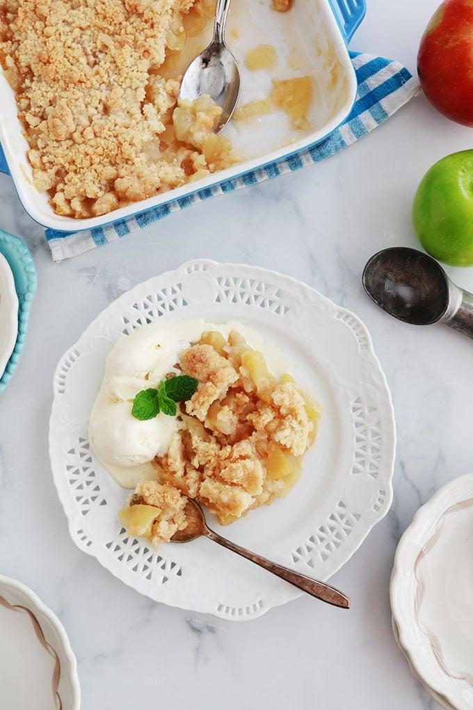 Crumble aux pommes parfumé à la vanille et cannelle