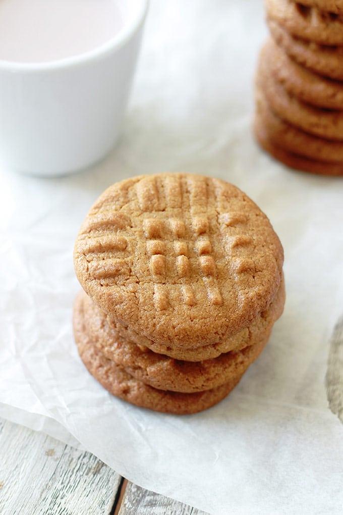 Cookies au beurre de cacahuètes moelleux sans gluten sans farine 3 ingredients beurre de cacahuetes ou beurre arachide cassonade oeuf facile rapide