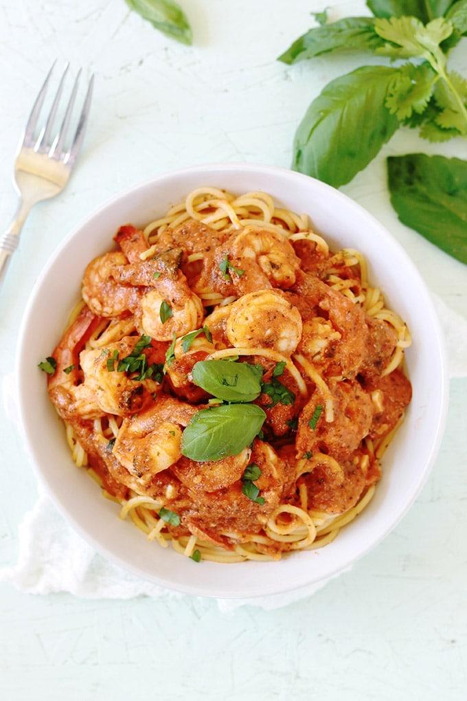 Spaghetti aux crevettes sauce tomate cuisine culinaire for Plat facile et convivial