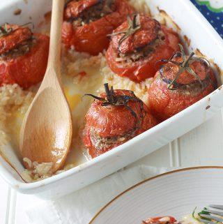 Tomates farcies et riz au four (farce à la viande hachée)