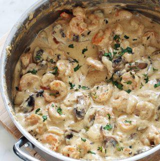 Crevettes sauce à la crème, fromage, champignons