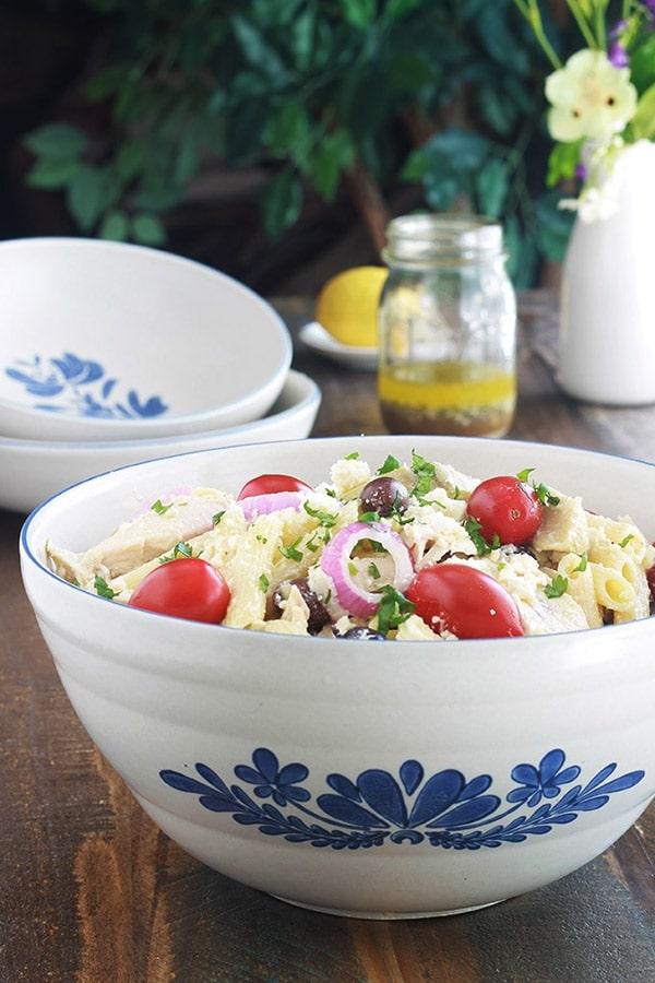Salade-de-pates-au-poulet-a-la-grecque-recette-rapide ...