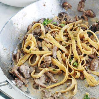Pâtes sauce crémeuse aux champignons, recette facile rapide