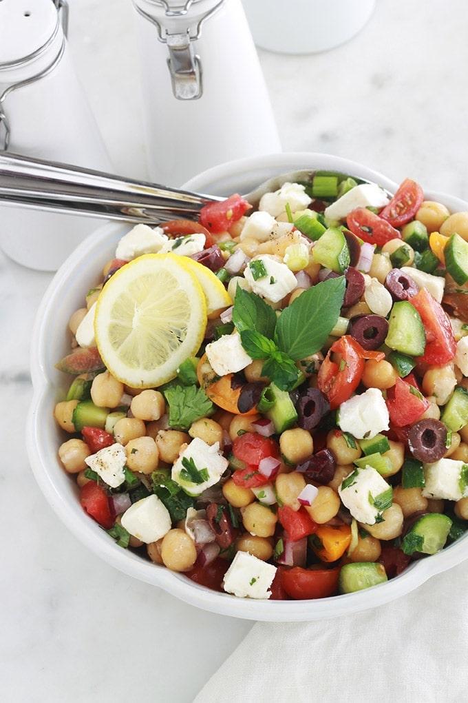 Salade de pois chiches aux tomates, concombre et feta ...