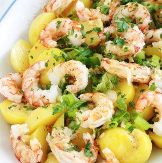 Salade de pommes de terre aux crevettes scampis