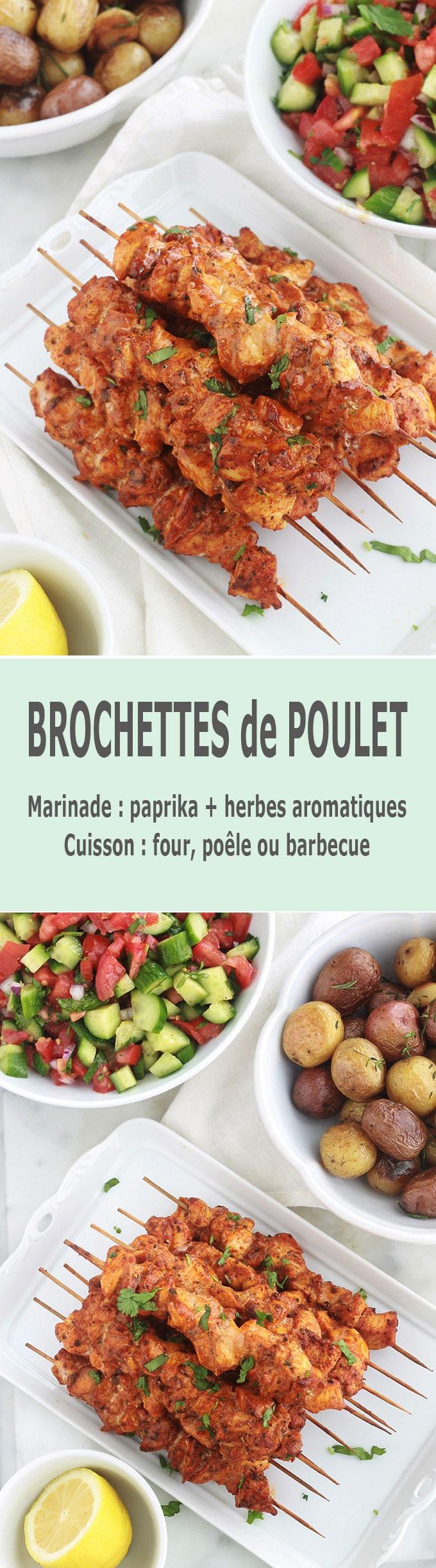 Brochettes de poulet au paprika et aux herbes cuites au four, poêle ou barbecue. C'est une recette très facile et rapide (en dehors du temps de macération). La marinade est composée de paprika, cumin, coriandre, herbes de Provence, poivre et huile d'olive. Idées d\'accompagnement : du riz et une salade ou dans un sandwich pita avec des crudités et une sauce… C'est simple et délicieux.