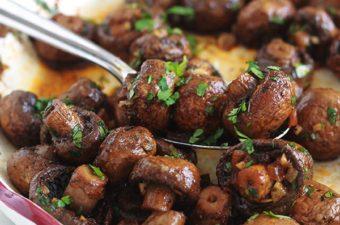 https://www.cuisineculinaire.com/champignons-rotis-ail-vinaigre-balsamique-recette/