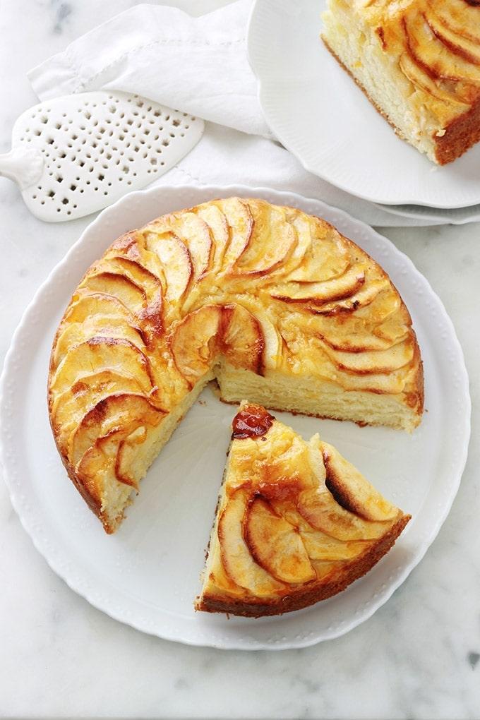 Gateau Au Yaourt Aux Pommes Moelleux Recette Facile Cuisine Culinaire