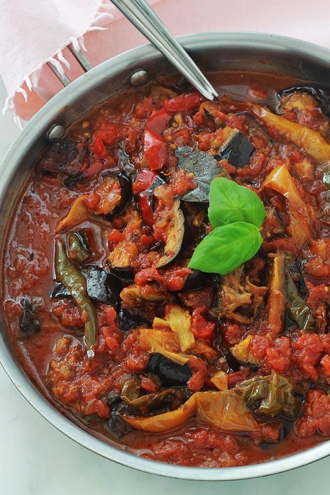 sauce tomate l aubergine et poivrons recette facile. Black Bedroom Furniture Sets. Home Design Ideas