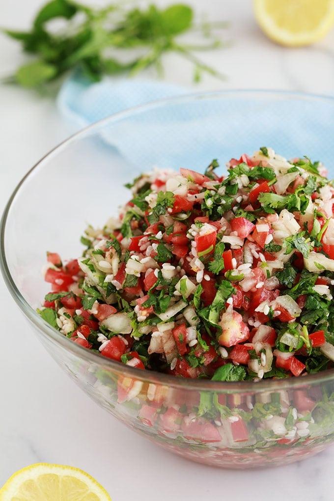 Farce vegetarienne pour feuilles de vigne riz tomates oignon epices persil menthe huile olive citron recette libanaise