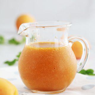Recette du coulis d'abricots, simple et rapide. Délicieux pour napper vos desserts : gâteaux, panna cotta, riz au lait, cheesecakes, yaourt, crêpes et pancakes, ,,,