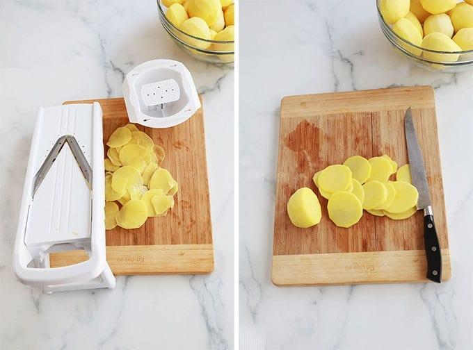 Coupez les pommes de terre en rondelles fines avec une mandoline ou un couteau