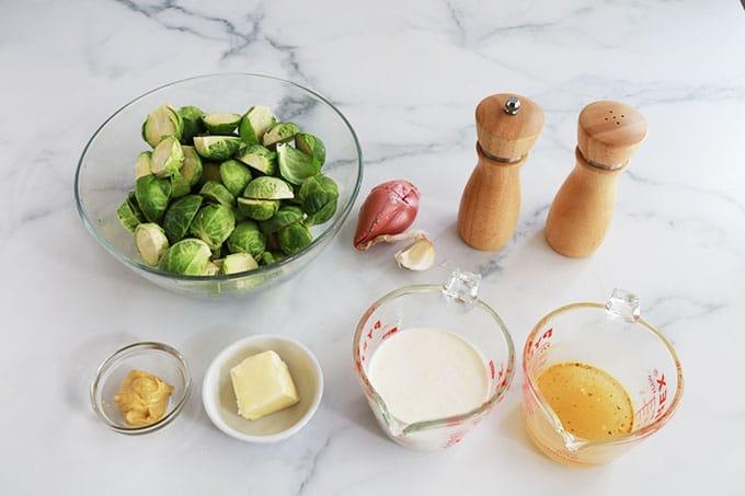 Ingredients de la recette des choux de bruxelles a la moutarde et creme