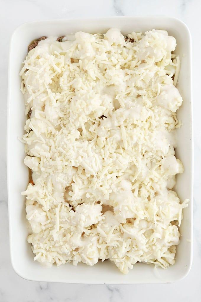 Assemblage du gratin de chou fleur viande hachee - Etape 3 - parsemer avec du fromage rape