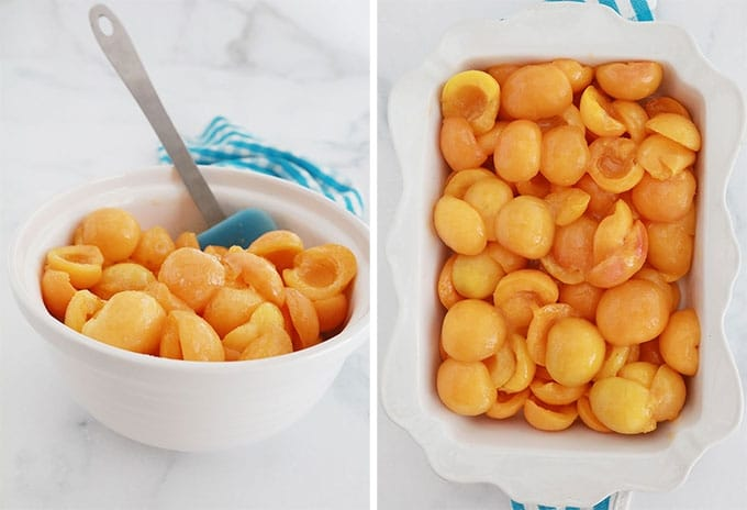 Garniture d'abricots frais pour crumble dans un bol et dans un plat allant au four